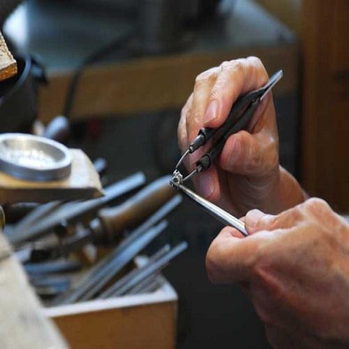 神戸でアムールアミュレットの婚約指輪・結婚指輪正規取扱店