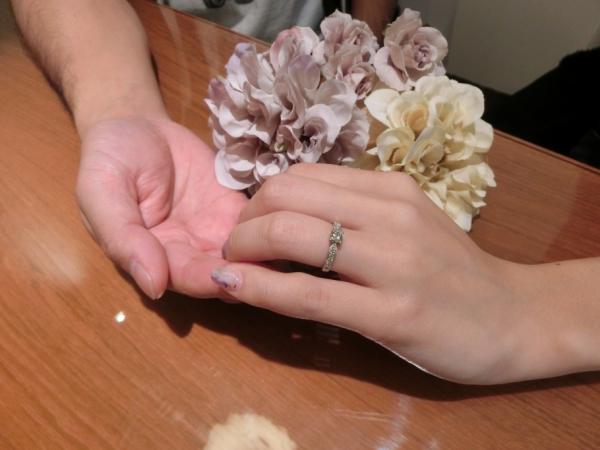 GRAMAの婚約指輪を選んだお客様。可愛い婚約指輪。