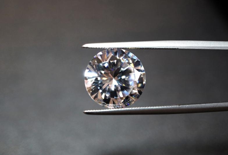 手作り婚約指輪のダイヤモンド選び