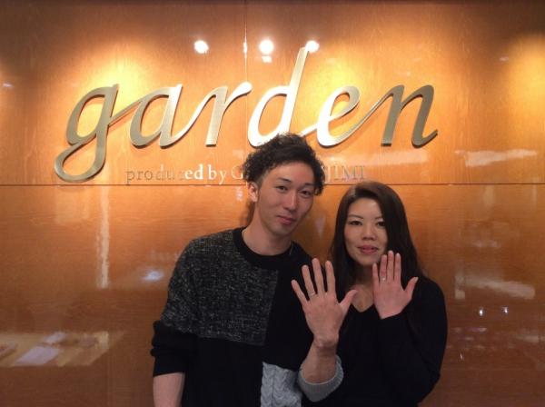gardenオリジナルの婚約指輪とLapageの結婚指輪