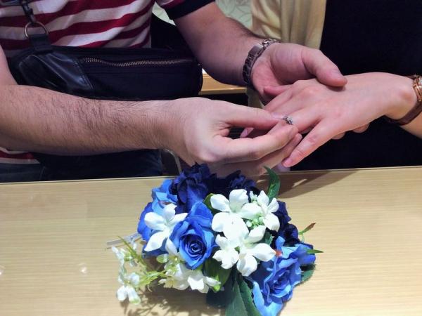 gardenオリジナルの婚約指輪にIDEALダイヤモンドをセッティング