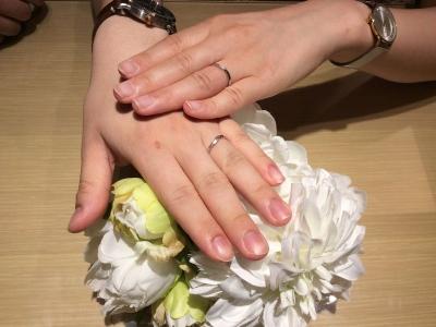 ロゼット結婚指輪泉