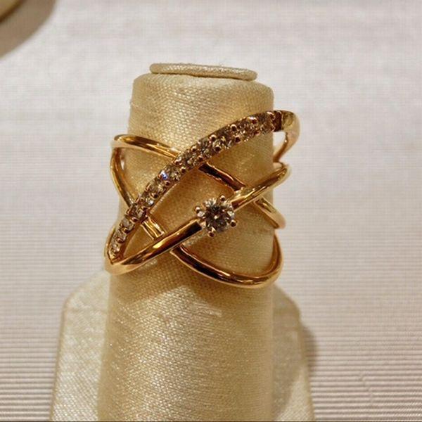 記念日に贈るダイヤモンドの指輪