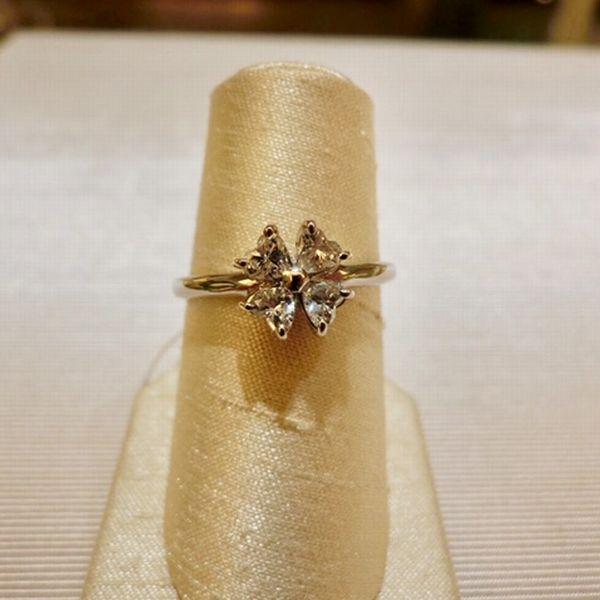 女性へ贈るプレゼント ダイヤモンドリング