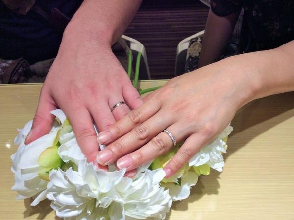 サラサ結婚指輪