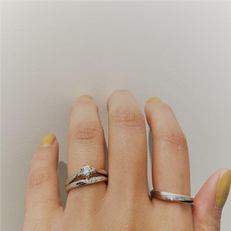 ディズニーシンデレラ結婚指輪と婚約指輪の重ねづけ