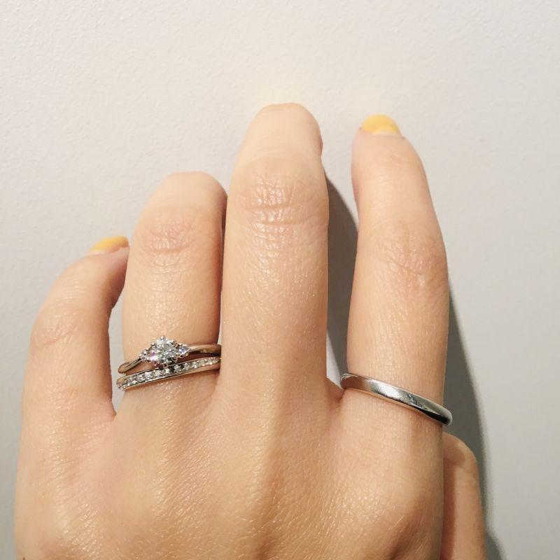 キャンドル婚約指輪とひな結婚指輪の重ね付け