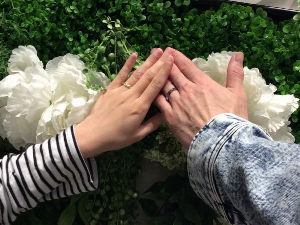 神崎郡福崎町『輝彩』の結婚指輪をご成約いただきました。