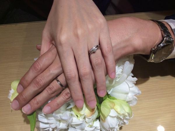 gardenオリジナルの婚約指輪との重ねづけ