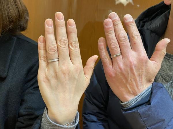 ベビーリングがプレゼントの結婚指輪