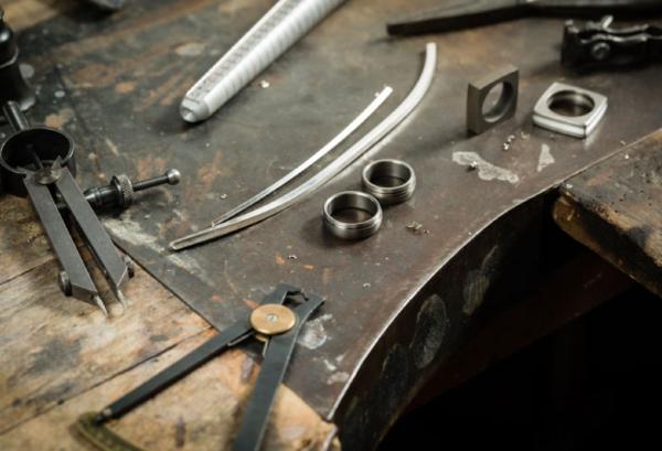鍛造製法の指輪特集