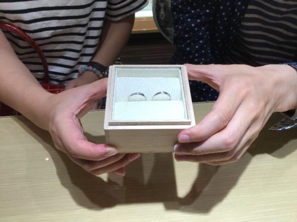 神戸市「IROノHA」のマリッジリングをご成約頂きました。