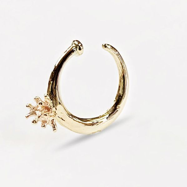 Ear Cuff / Diamond