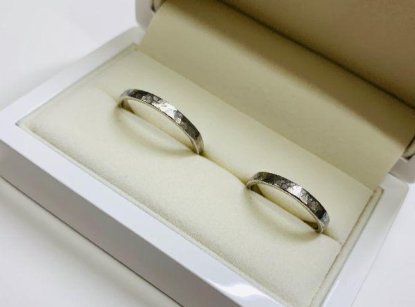 手作りの結婚指輪槌目仕上げイメージ